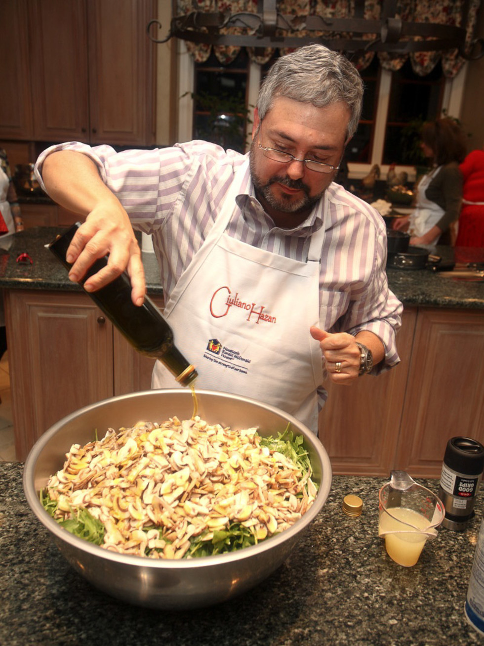 News_Chef Giuliano Hazan_pasta_oil