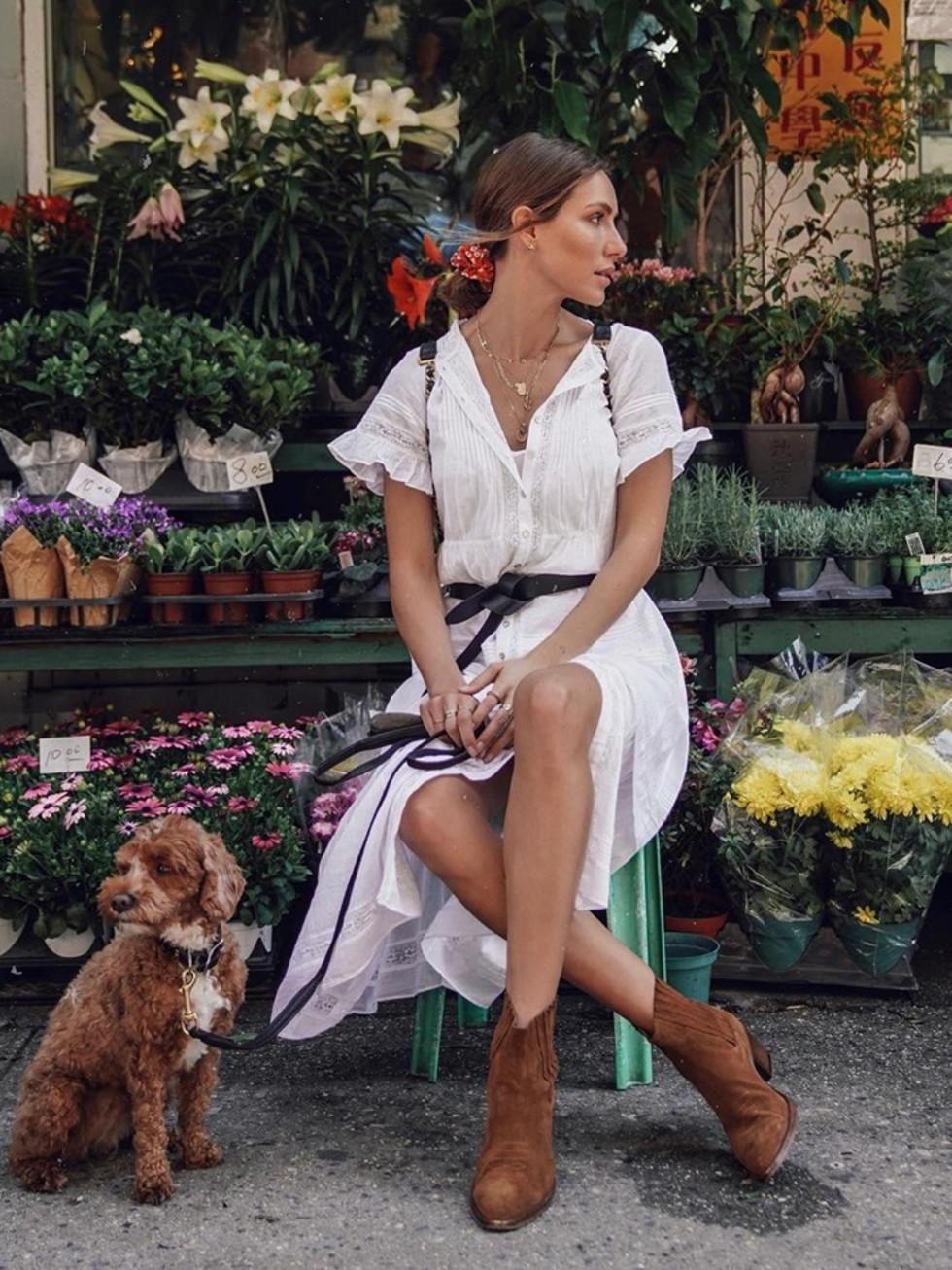 Aritzia boutique