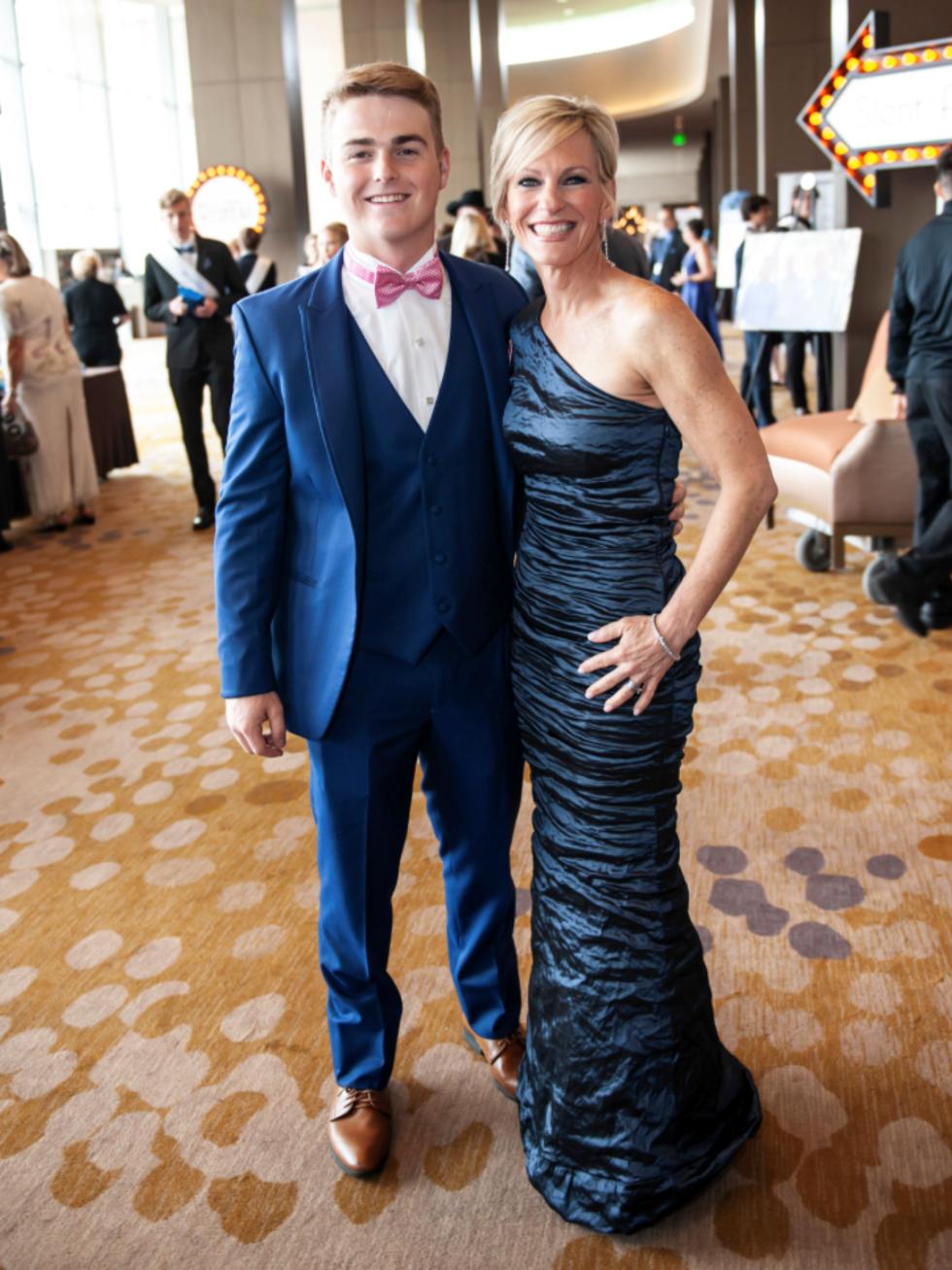 Curtis Moore, Kathy Moore