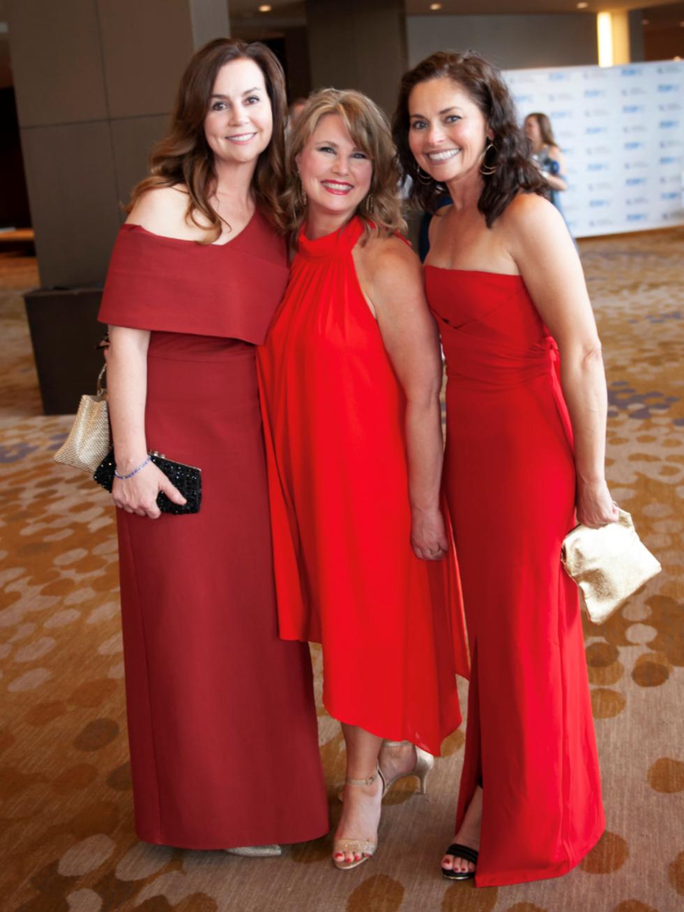 ElizabethBryant, Courtney De La Garza and Lesley Jordan