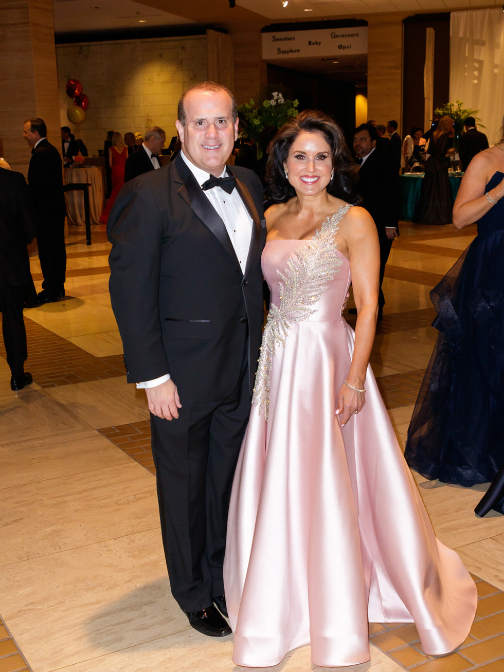 17)	Boyd Messmann, Wendy Messman - Terani Couture