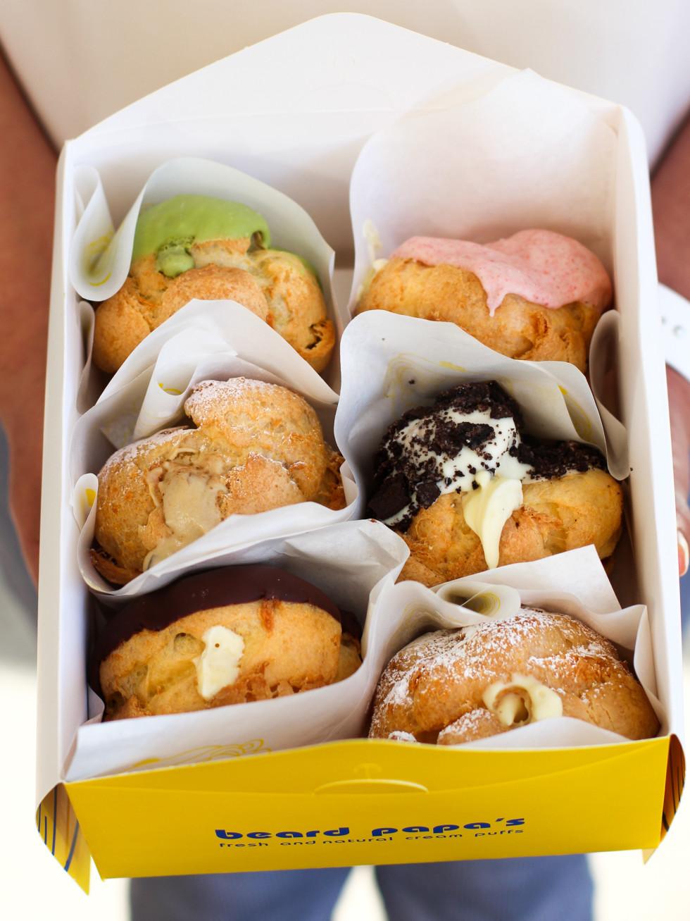 Beard Papa's box cream puffs