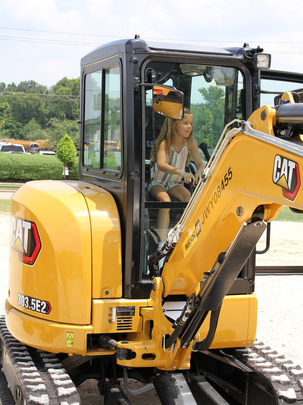 Dig World Texas Katy excavator