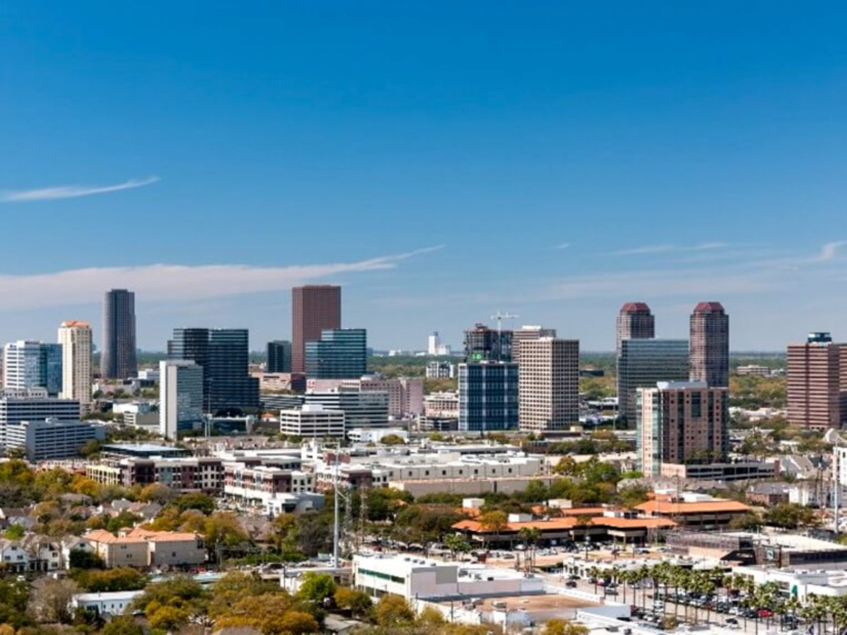 As Houston Skyline Soars High Rise Apartments Offer