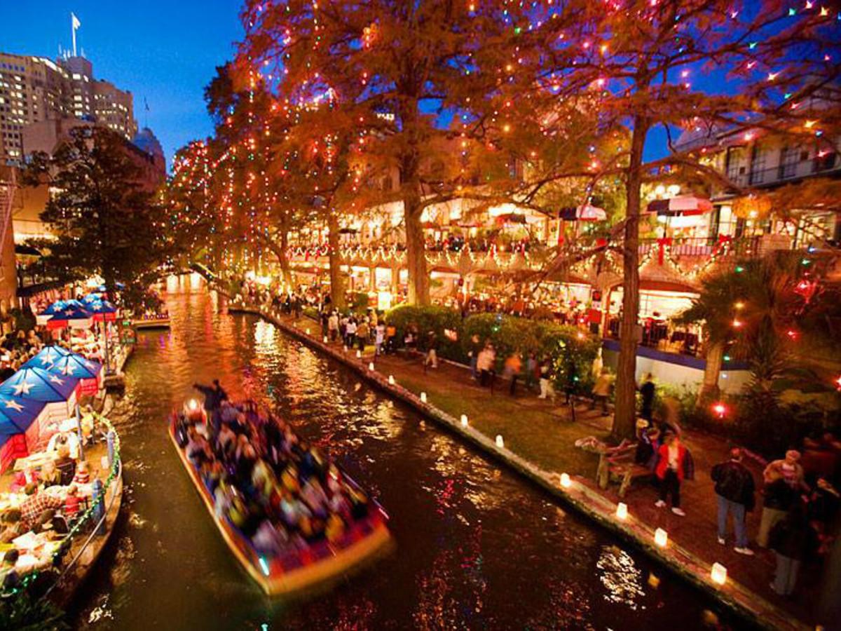 Riverwalk San Antonio Christmas.7 Festive San Antonio Events To Get Into The Holiday Spirit