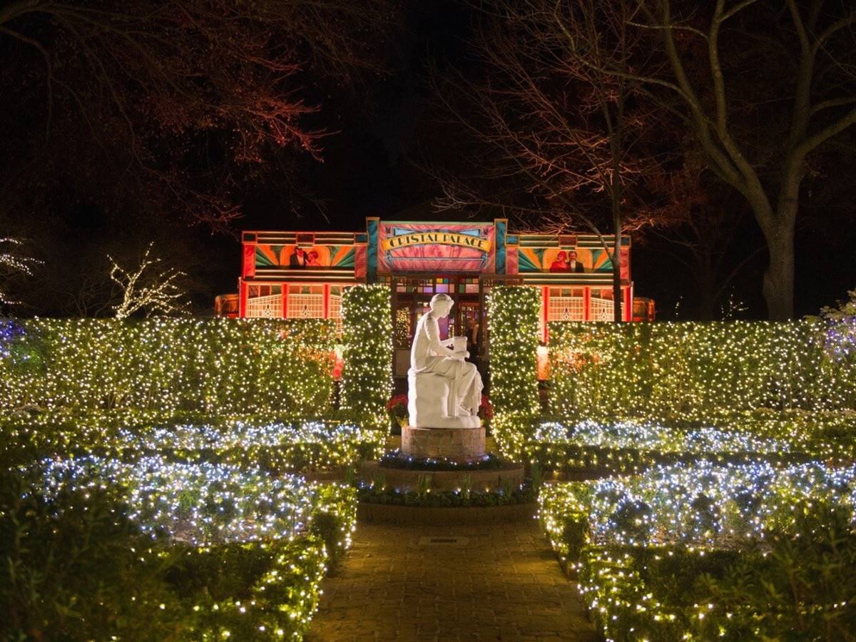 Bayou Bend Goes Holiday Crazy With Christmas Village