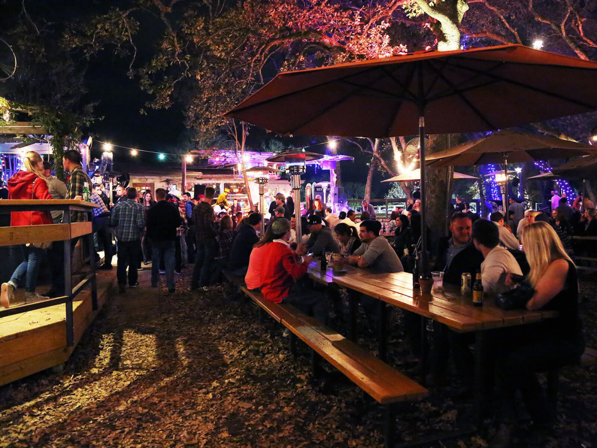 Bars Open On Christmas Day.12 Awesome Austin Bars Open On Christmas Day 2016