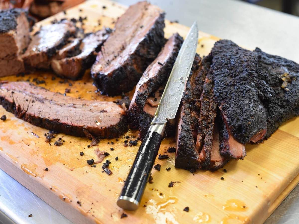 Houston S Best Barbecue Joint Begins Dinner Service Expands