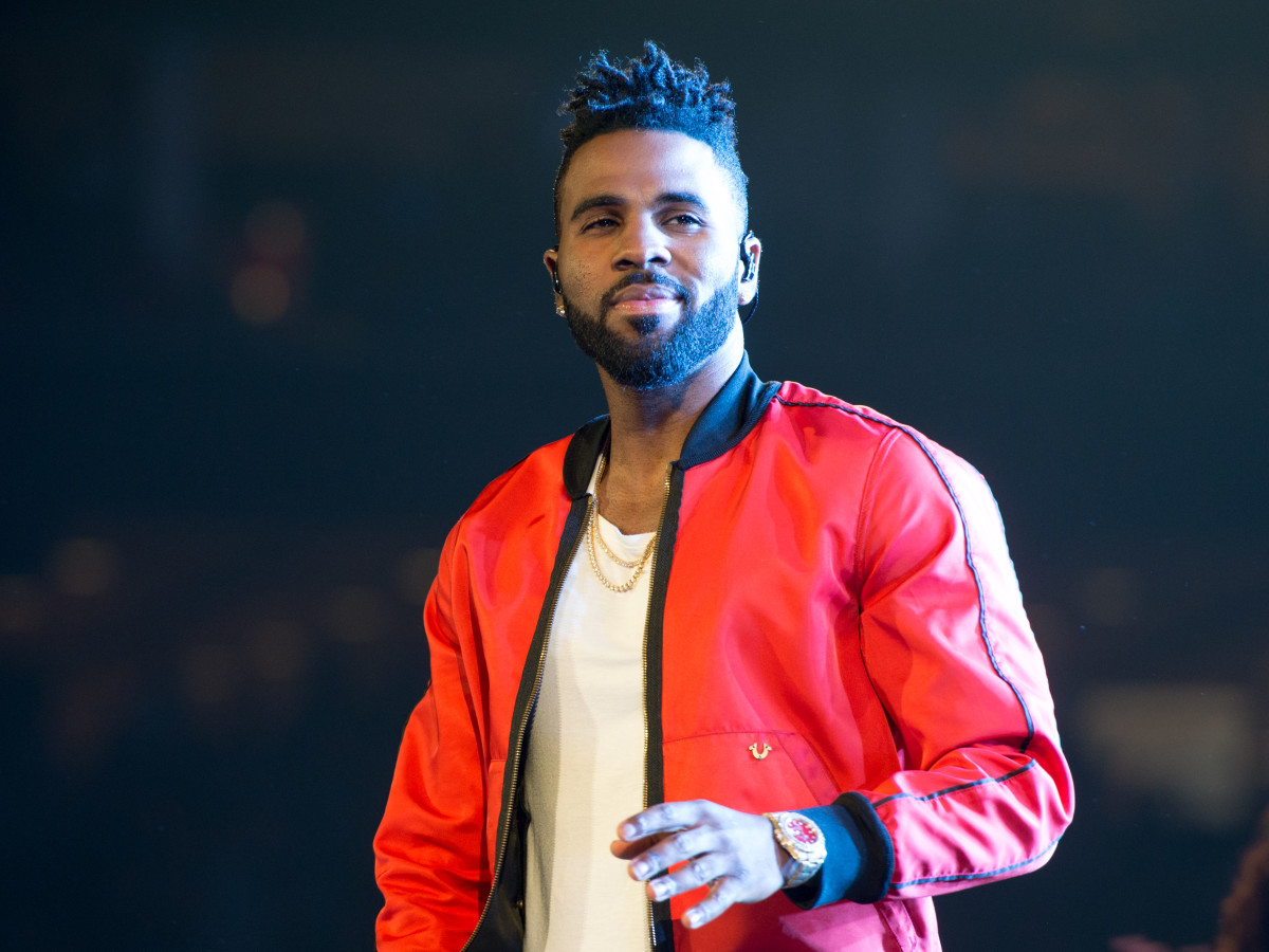 Shirtless Jason Derulo looks for H-Town's It Girl at sexy