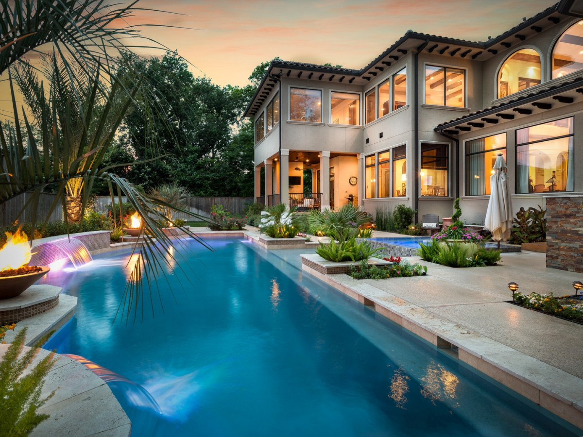 Daydream Worthy Houston Backyards Perfect For Outdoor Entertaining