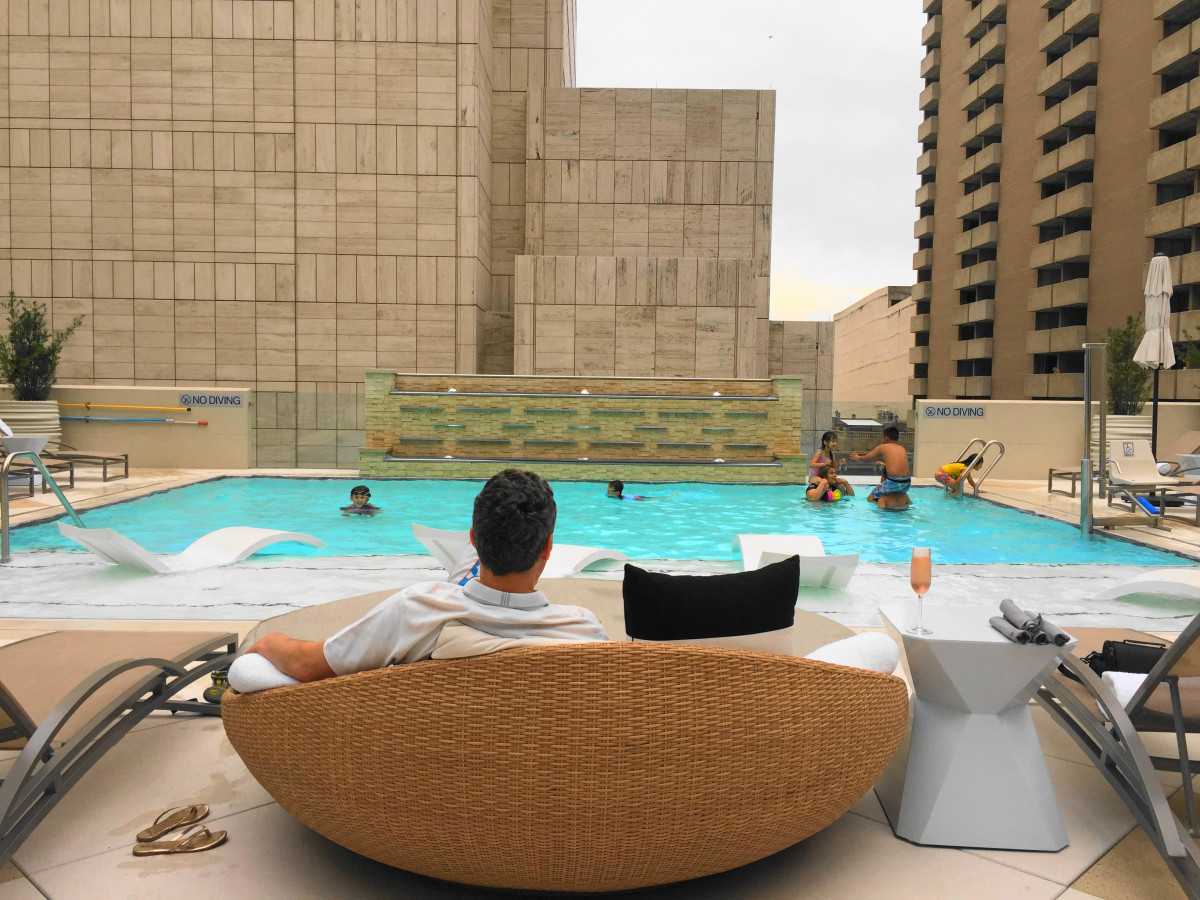 5 Hot Spots For A Family Staycation In Dallas Fort Worth