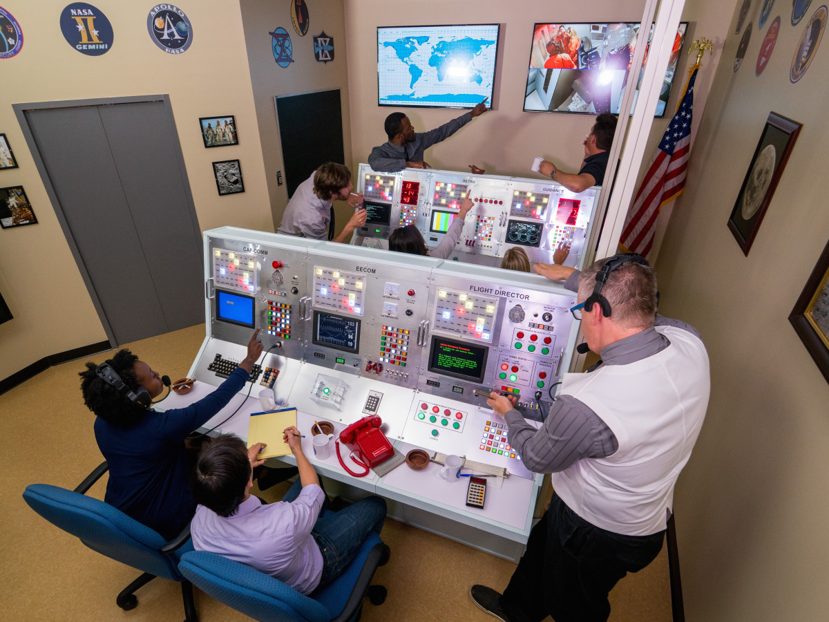 Thrilling Apollo 13 escape room reminds Houston of its NASA