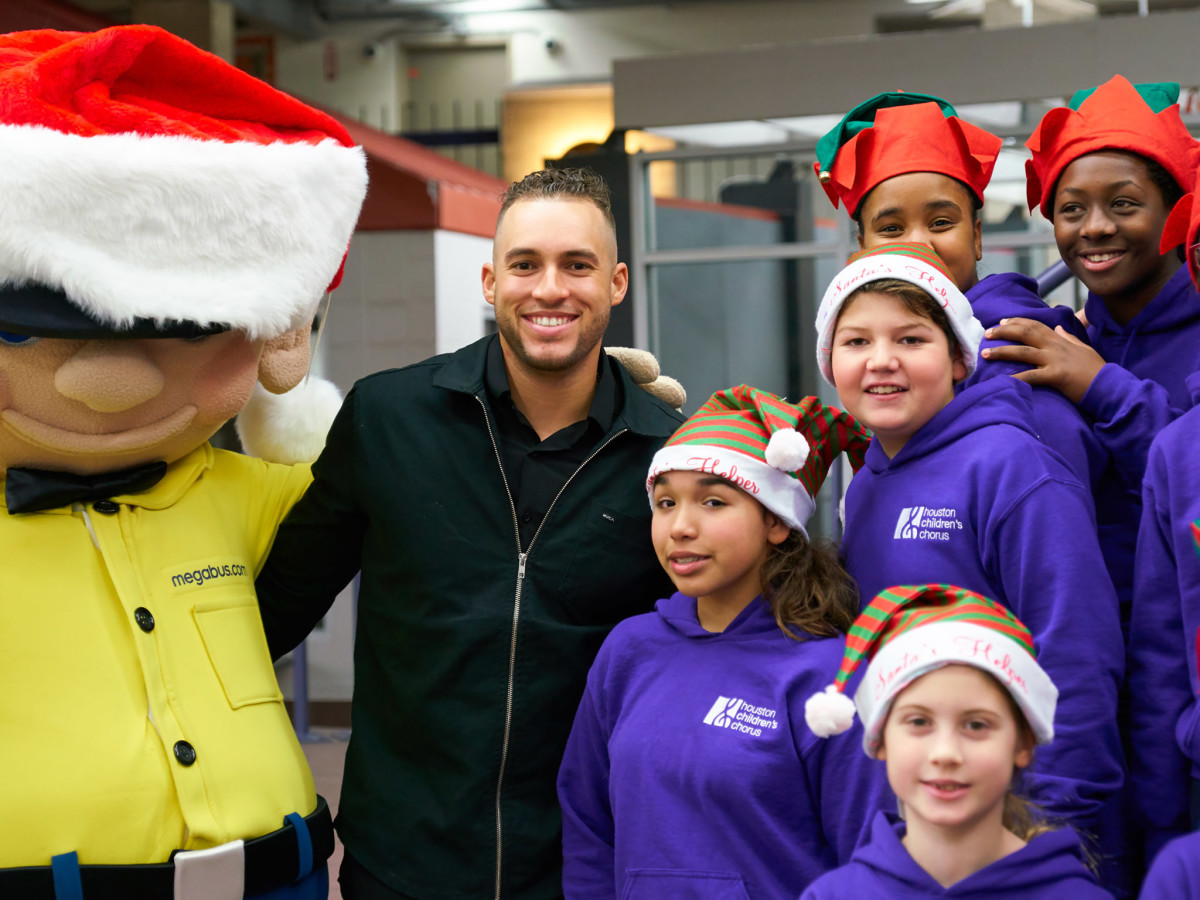 e108d49c42725 World Series MVP and fiancee host holiday event for Harvey victims ...