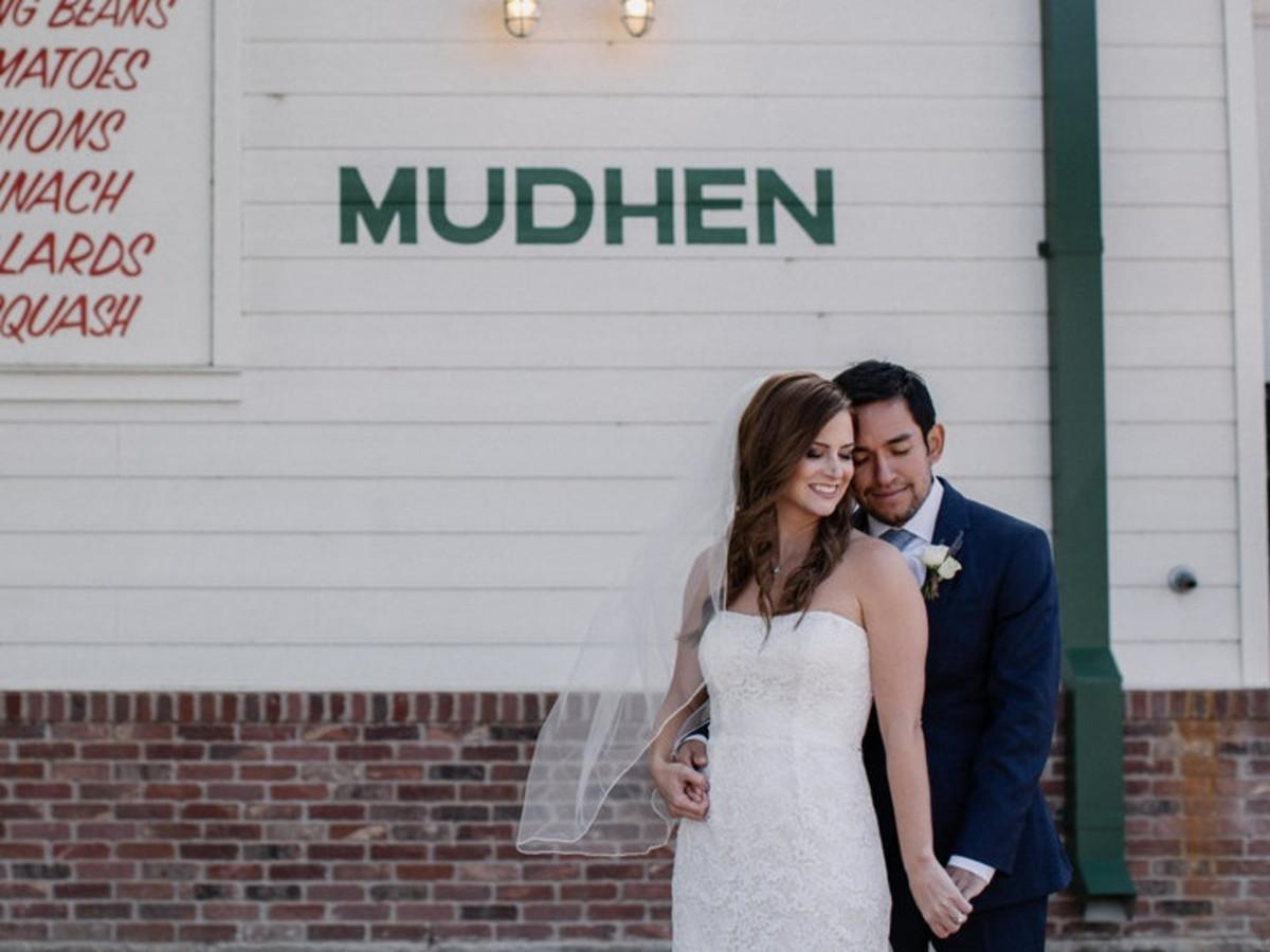 6cbbffab03f Couple s brunch wedding fills Dallas venue with Southern charm ...