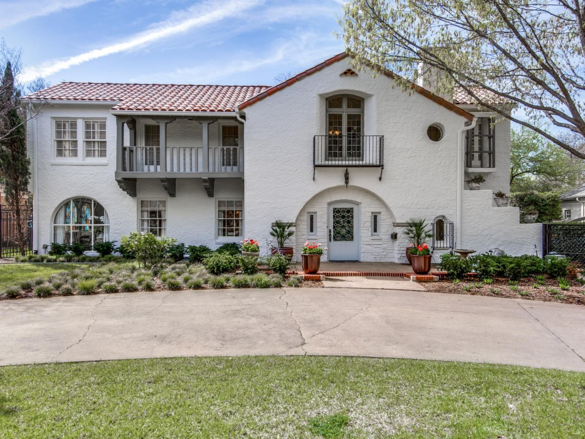 Highland Park 1925 Spanish Colonial Revival is a restoration