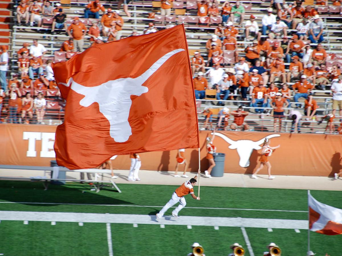 Slideshow: Texas football kicks off: Start of fall practice