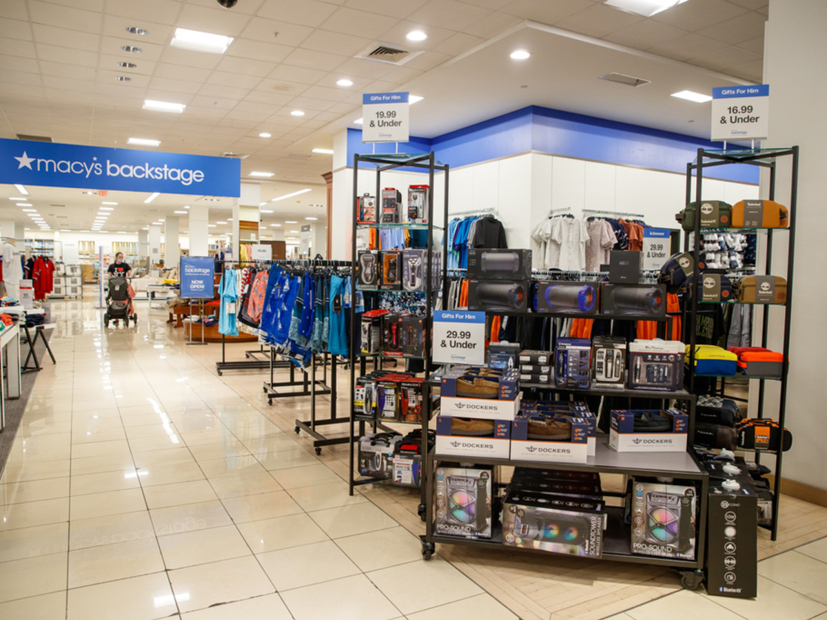 dcae18e671c Macy's first Austin-area Backstage store brings big bargains to ...
