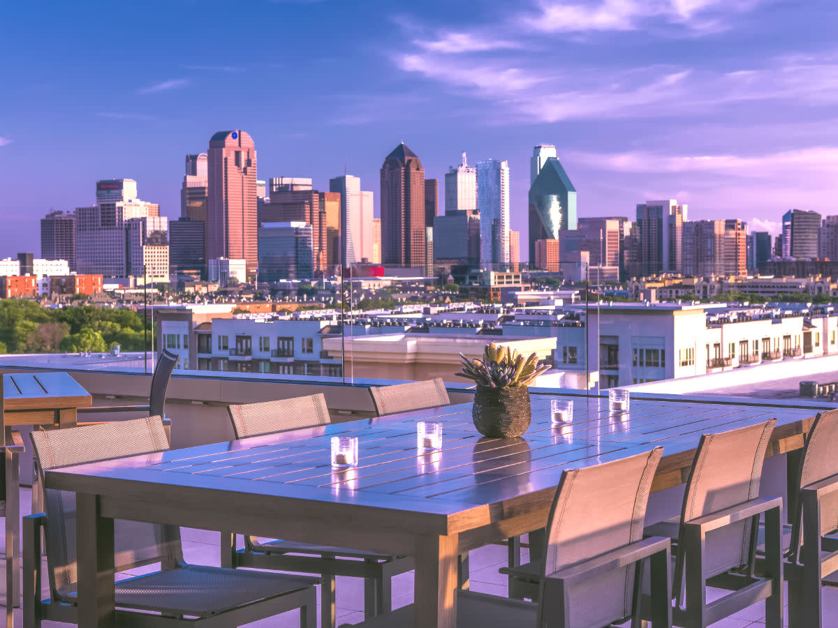 New hotel debuts in Uptown Dallas with restaurant-cafe and ...