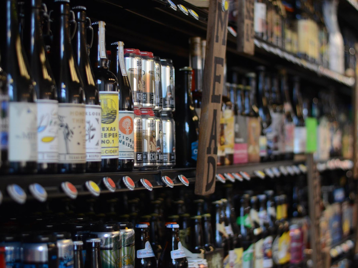 Craft beer store barrels out of changing South Lamar