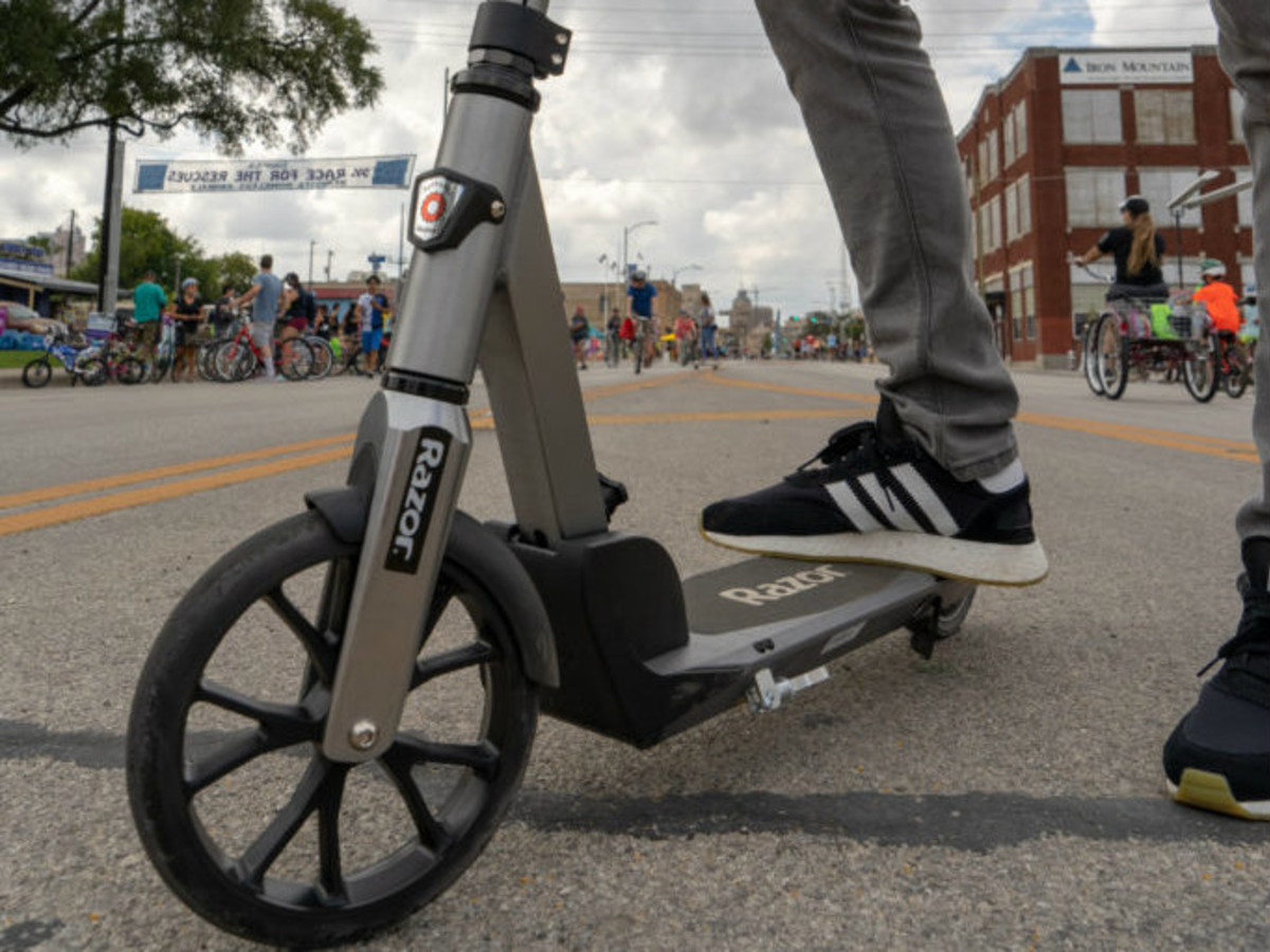 Dallas Police Department starts writing tickets for scooter