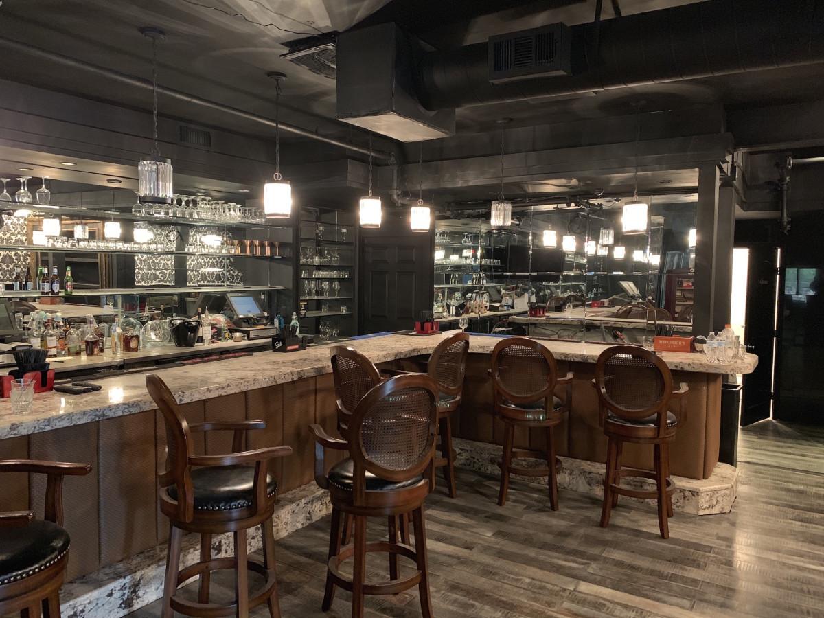River Oaks spot serves up 5 concepts including cigar bar and
