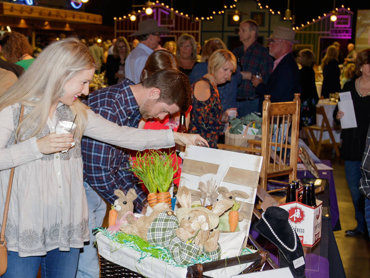Sweet remembrances of loving moms sprinkle Grapevine gala