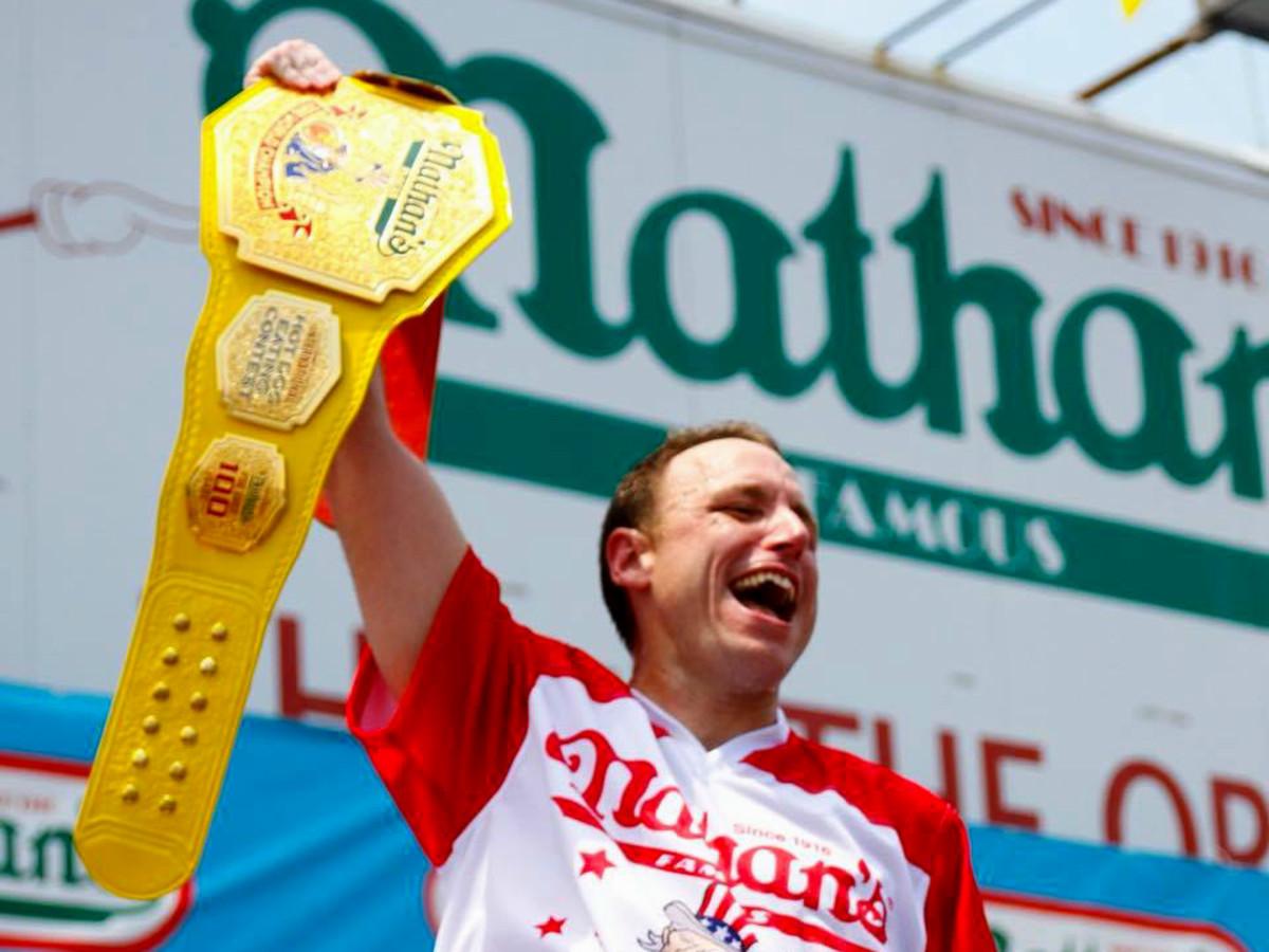 eri tavalla laajat lajikkeet ostaa halvalla Hoffman steps down as judge at Nathan's Famous Hot Dog ...