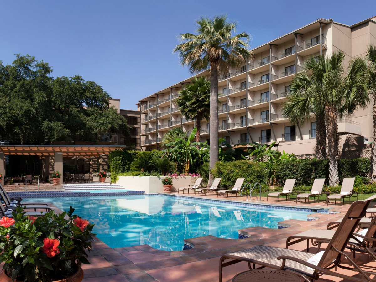 Hotels In San Antonio >> 34 Million Deal Brings Extensive Renovation To River Walk