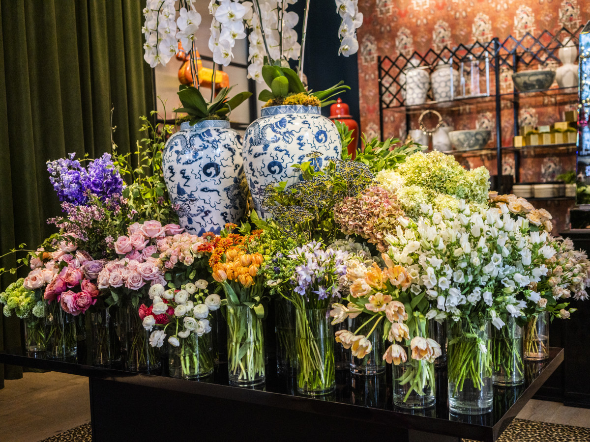 Celebrated Texas Events Guru Unveils Fab River Oaks Floral Shop