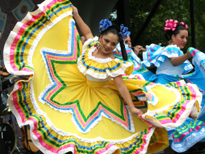 News_Cinco_de_Mayo_dancers
