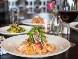 aRoma Italian Kitchen & Bar_fettuccini gamberetto_shrimp prosciutto pasta