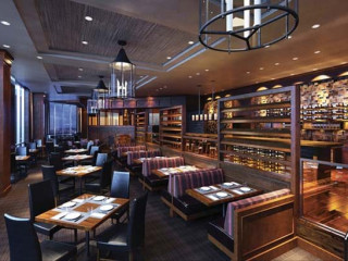 Ser Steak + Spirits, Hilton Anatole