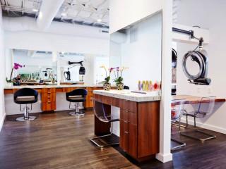 Pin Salon