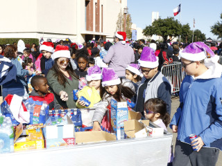 S.M. Wright Foundation Christmas in the Park