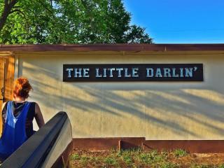 The Little Darlin' bar