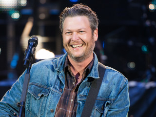 Blake Shelton at Houston Rodeo March 2015