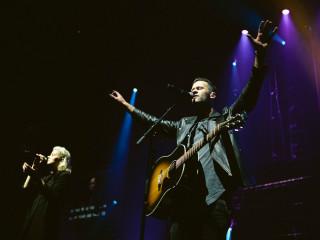 Outcry Tour with Hillsong Worship, Kari Jobe, Rend