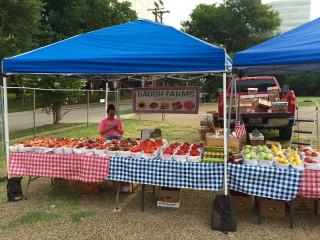 Oak Lawn United Methodist Church presents Oak Lawn Farmers Market