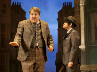 National Theatre Live presents One Man, Two Guvnors