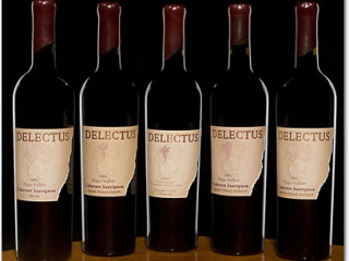 Delectus Wine Dinner with Winemaker Gerhard Reisacher