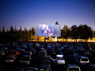 drive_in_independence_day