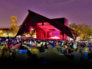 News_Nancy Wozny_Bring on the free stuff_Miller Outdoor Theatre_by Leroy Gibbins