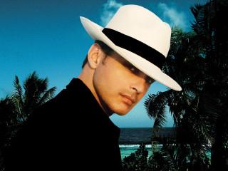 News_Michael_concert pick_Luis Miguel