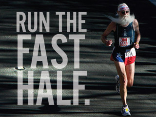 old man with long beard running in 3M Half Marathon