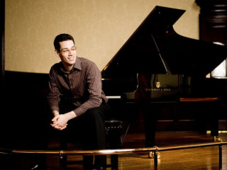 concert pianist Jonathan Biss with piano