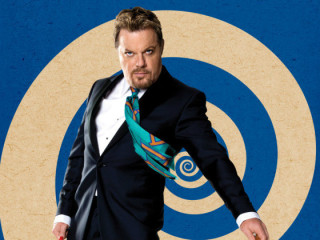 comedian Eddie Izzard for Force Majeure tour