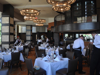 Ruth's Chris Houston steak cutting July 2013 dining room