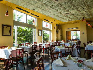 Sagra_Austin restaurant_interior
