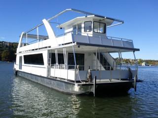 Independance Party Cruise_boat_Lake Austin_2015