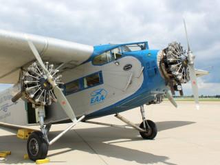 Experimental Aircraft Association presents 1929 Ford Tri